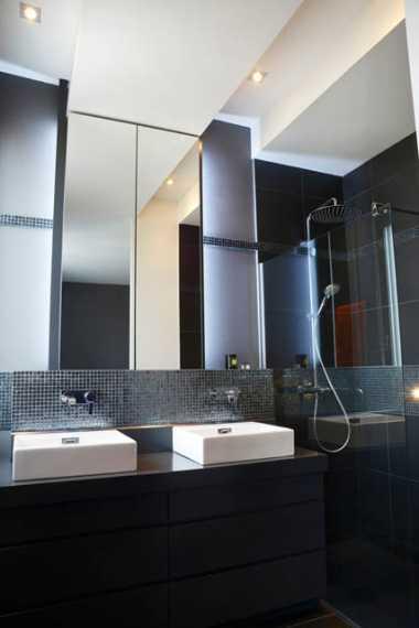 Salle de douche espace parents. mobilier sur mesure